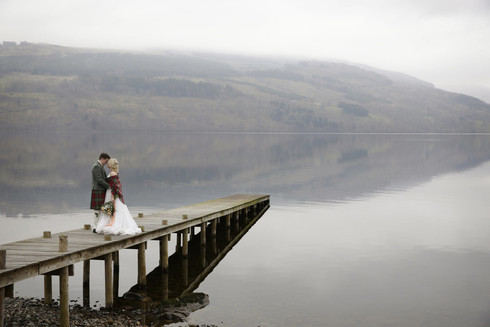 scottish-wedding-bride-and-groom-jetty-l
