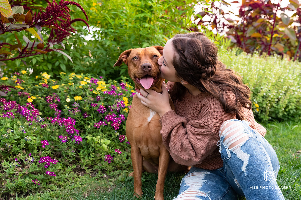 Senior girl photography session with her dog at Phipps Conservatory