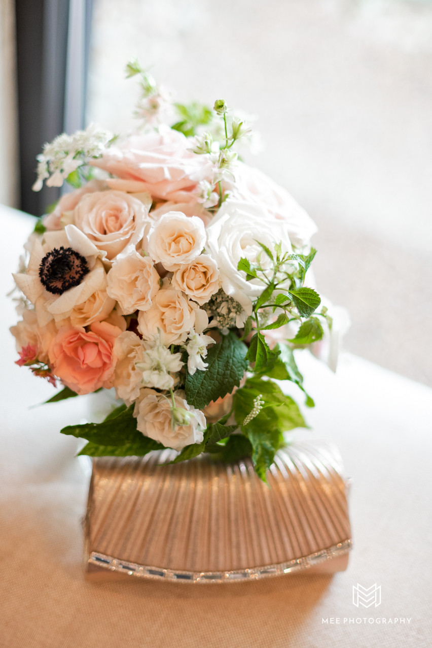 Blush bouquet and clutch