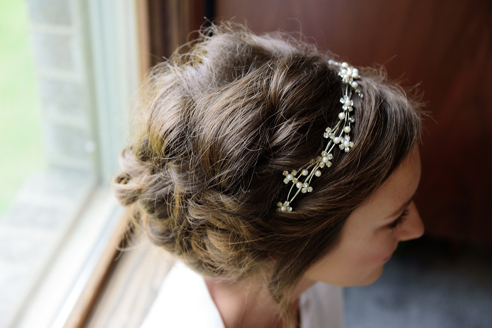 A detail picture of the bride's hair on her wedding day.