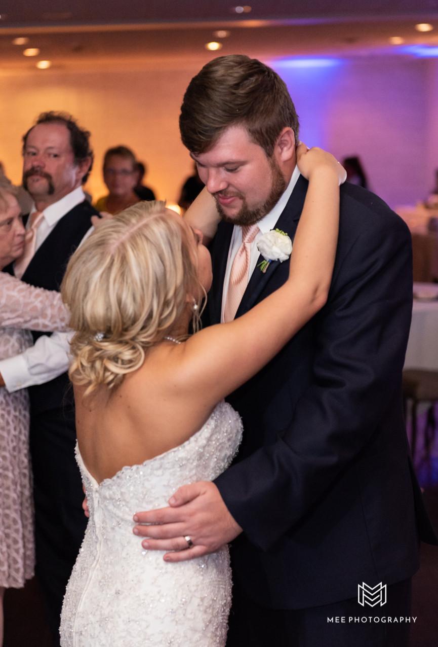 The newlyweds' last dance of their wedding night