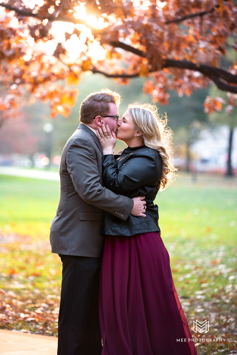 Pittsburgh wedding and engagement photographer; Sunset engagement