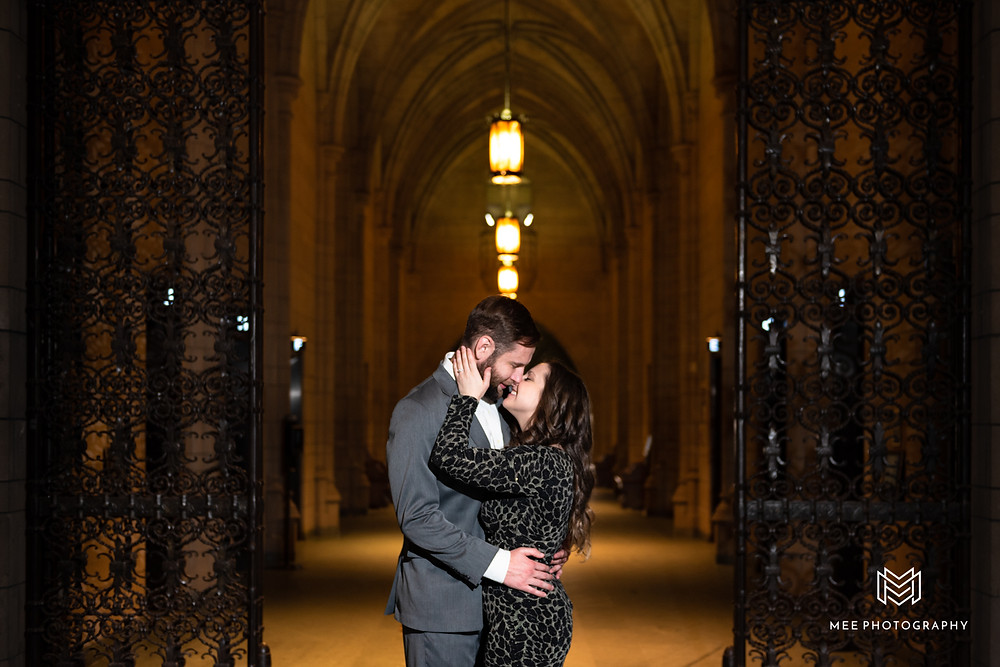 Cathedral of Learning Pittsburgh engagement photos