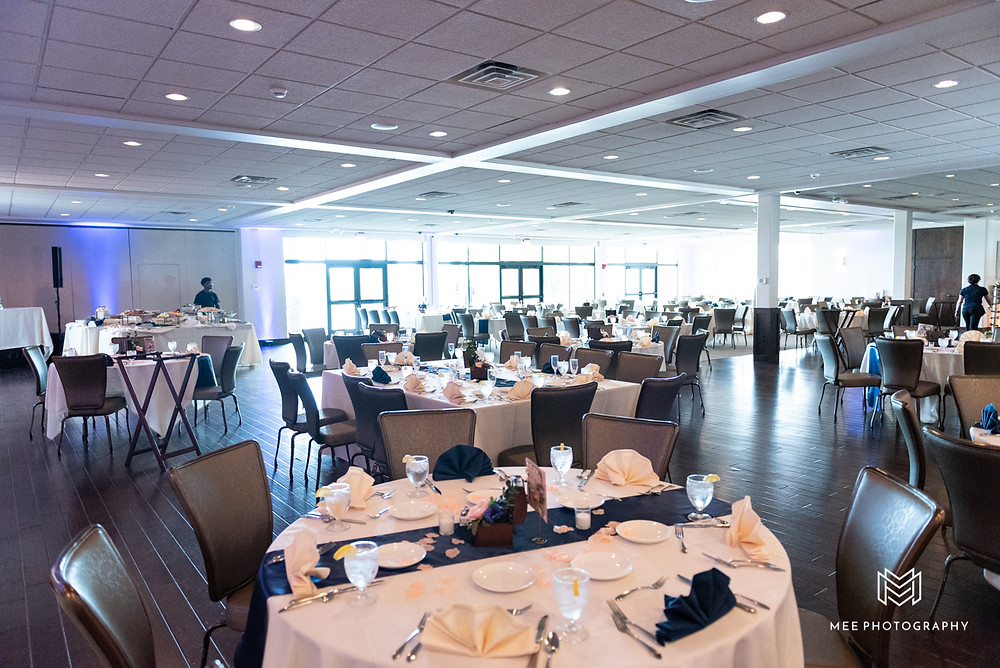 The Lake Club of Ohio wedding reception setup