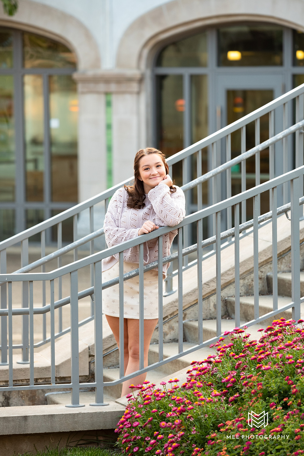 Senior girl photoshoot on the steps in front of Phipps Conservatory