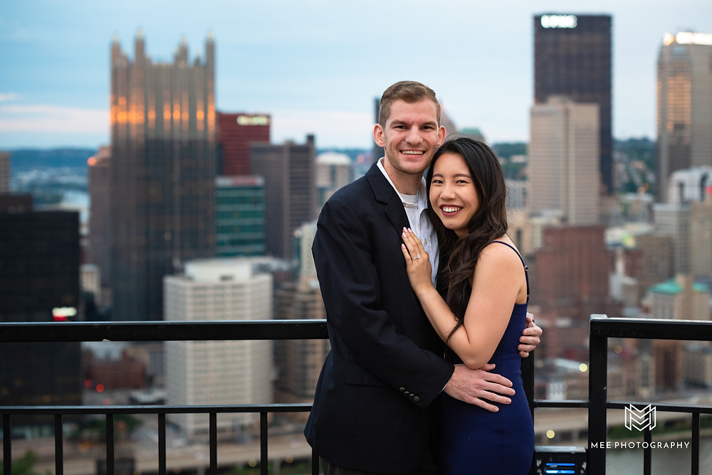 Couples engagement session at the Mount Washington overlook