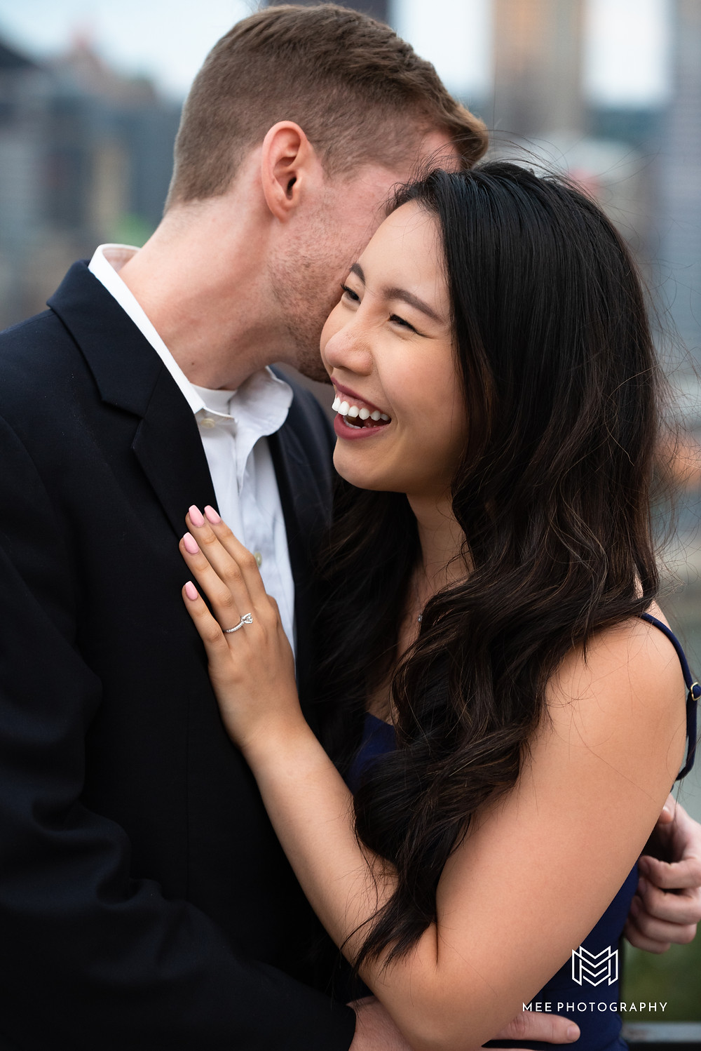 Couples wedding and engagement photographer in Pittsburgh
