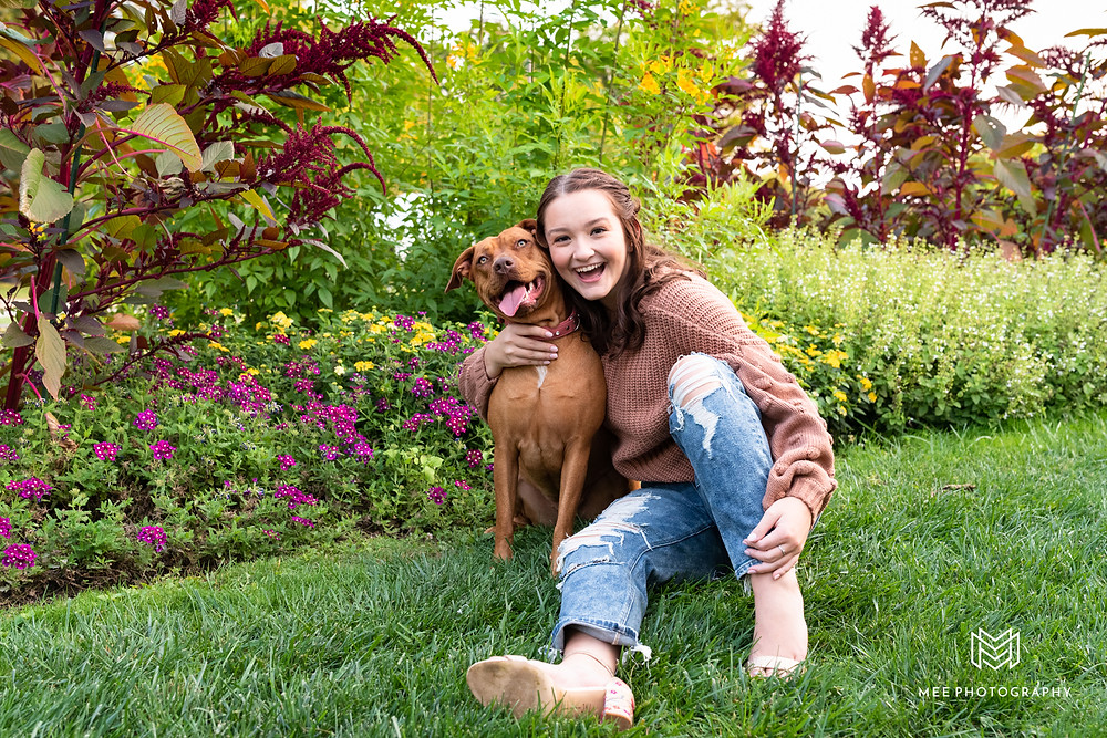 Senior pictures with pet pit bull