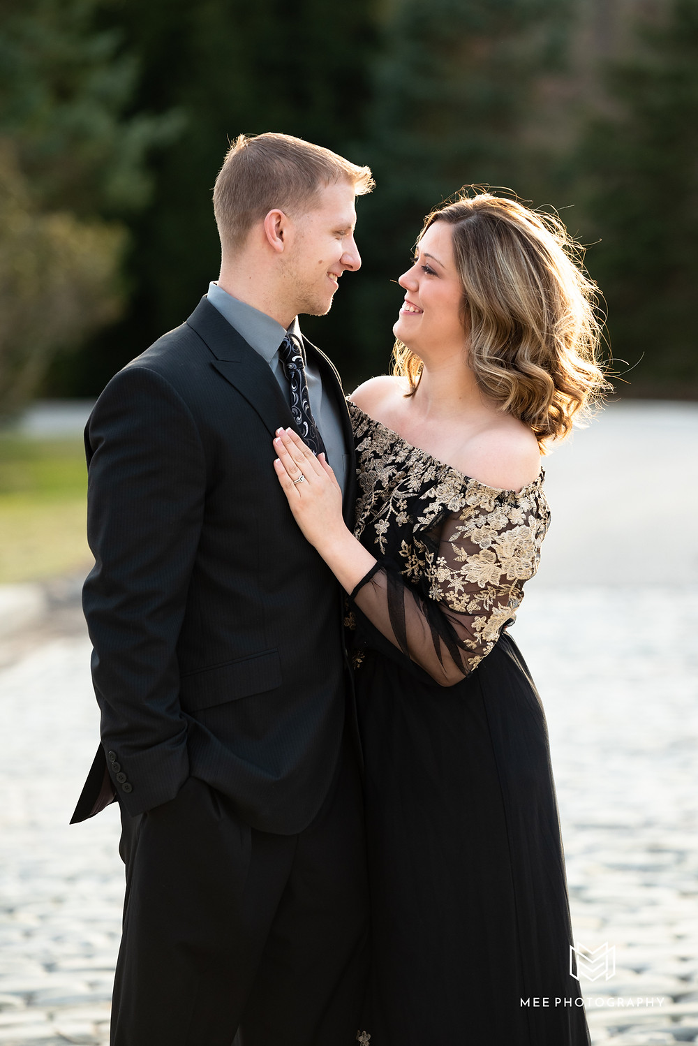 Pittsburgh wedding and engagement photographer