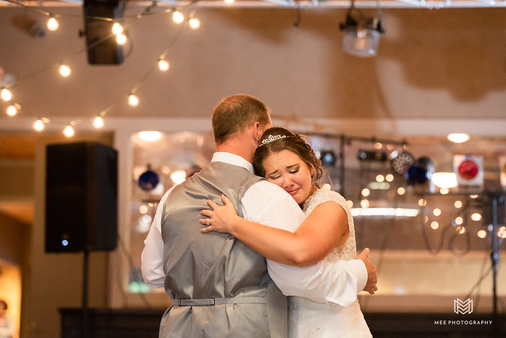 Father daughter wedding dance at a wedding near Pittsburgh, PA