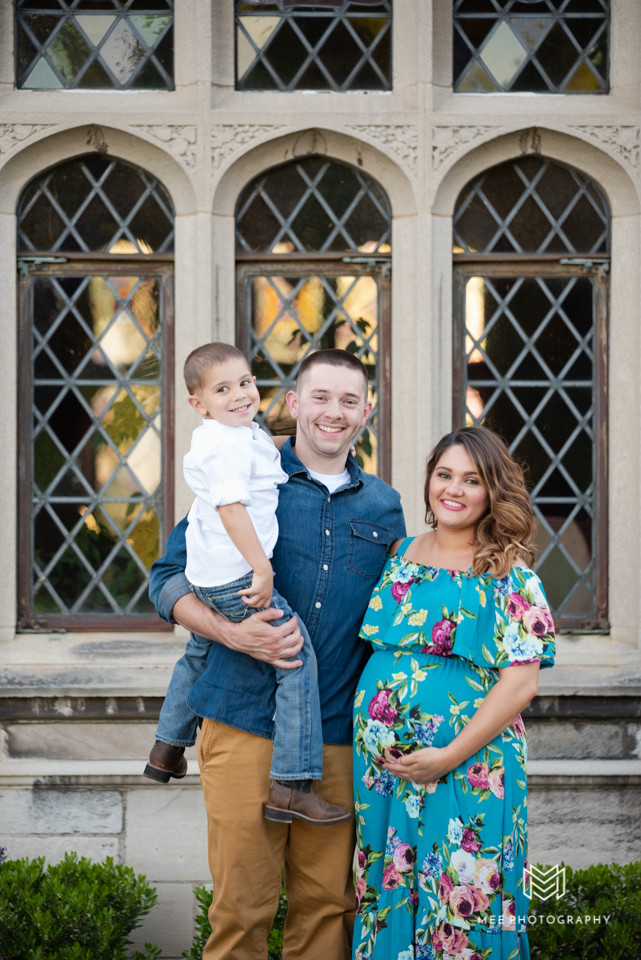 Family maternity portrait session in front of the Hartwood Acres Mansion