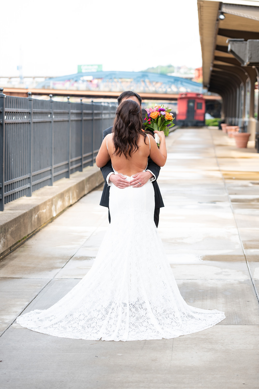 Bride and groom photography in downtown Pittsburgh