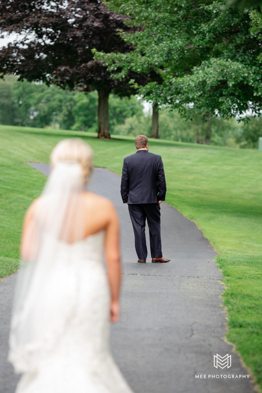 Wedding day at the lake club of Ohio
