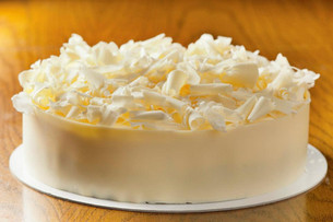 White chocolate cake .jpg