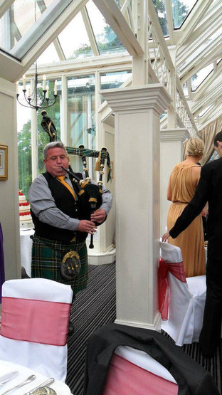Dundee Wedding. Irish National Tartan