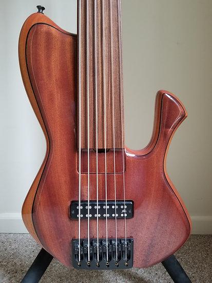 2010 Skjold Erskine Whaleback Fretless 6-string