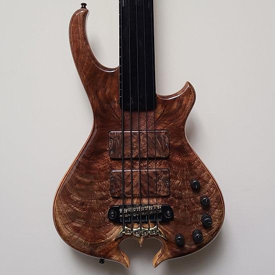 "Rockhewer Custom Guitars ""Tribute"" Fretless 5-string"