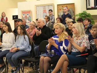 Руслан Галлямов «ЖИЗНЬ В СТЁКЛАХ»