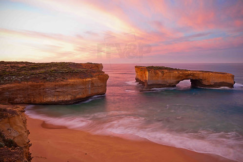 London Bridge, Great Ocean Road, Victoria, Australia.