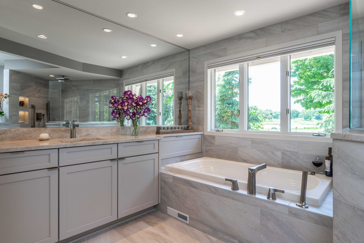 ORONO OWNER'S SUITE BATH:  Every inch of this spa bath exudes taste, style and luxury