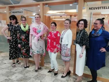 Yhteistyökumppanin OP-Pohjois Savon asiakasillassa mukana muotinäytöksen järjestäjänä.