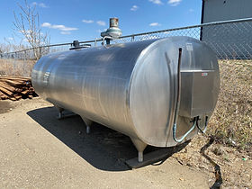 DeLaval 1000 gallon bulk tank