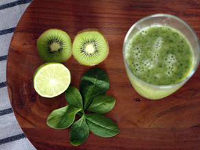 Mega Kiwi Lime Spinach Smoothie
