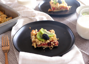 Blackberry & Mega Kiwi Crumb Bars