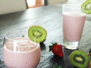 Mega Kiwi Strawberry Smoothie