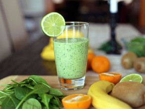 Cold-Busting Mega Kiwi and Lime Spinach Smoothie