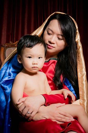 yichiao 21 century madonna and child 1.j