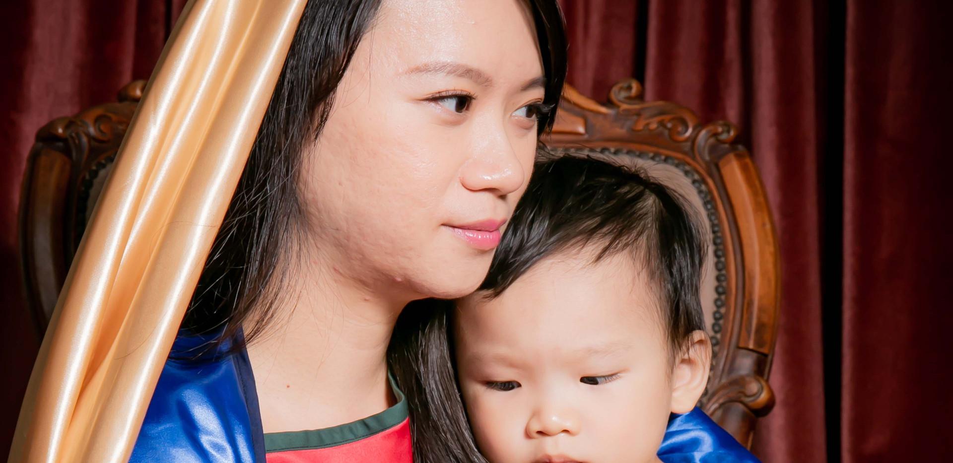 yichiao 21 century madonna and child 4.j