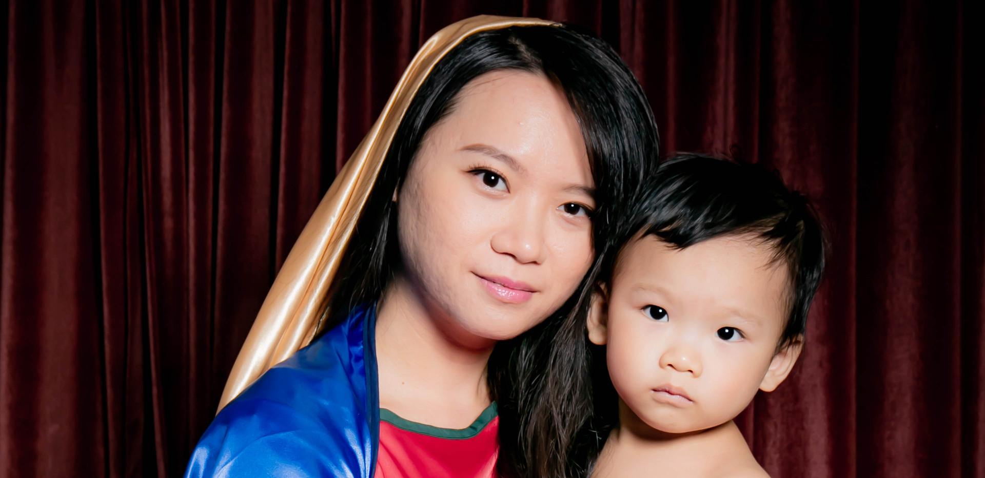 yichiao 21 century madonna and child 5.j