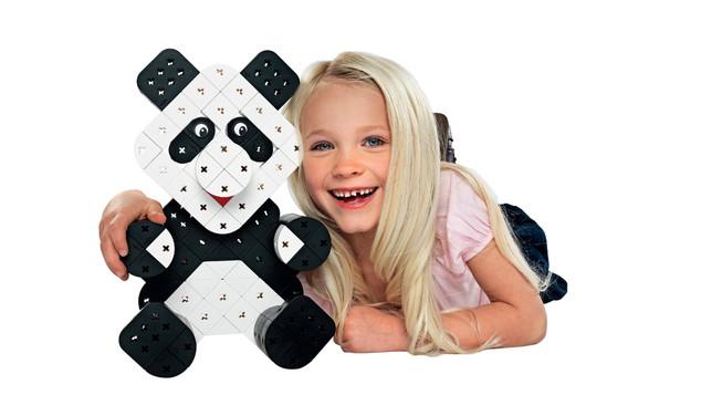 Girl-and-panda.jpg