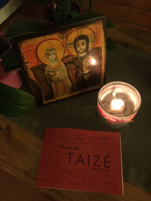 Prière_du_soir_avec_les_frères_de_Taiz