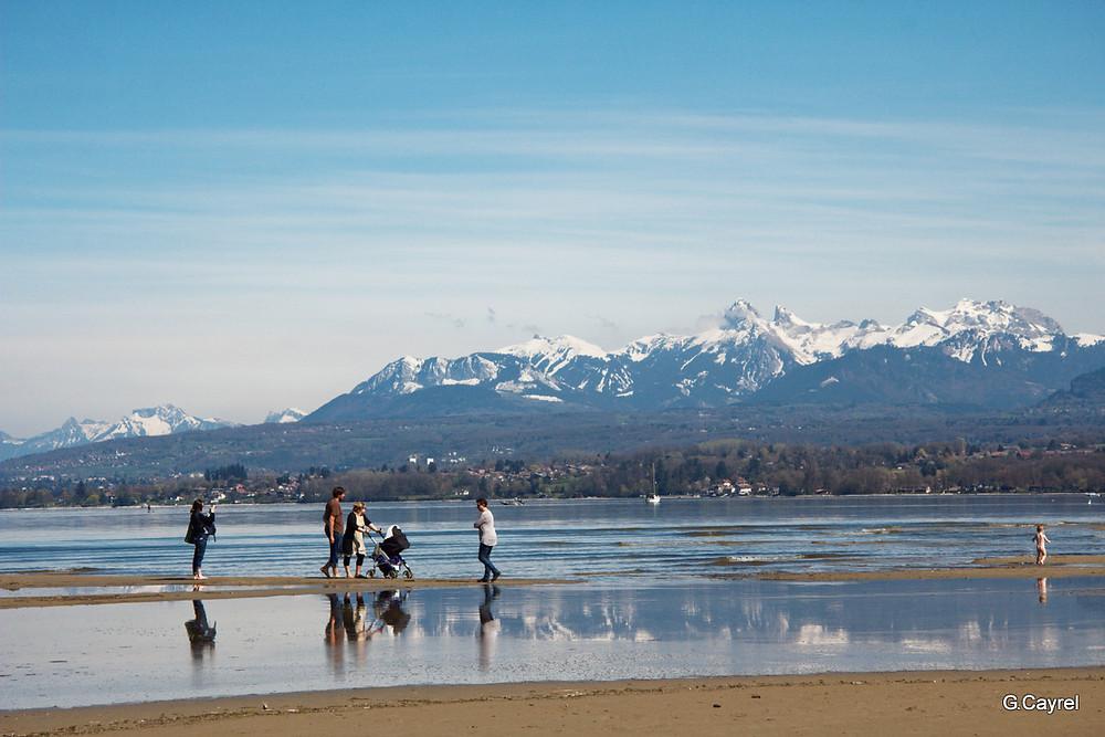 Neige en montagne et promenade sur la plage d'Excevenex