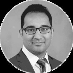 Dr.-Krishnan-Chakravarthy_bw-web_200x.pn