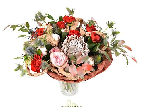 букет протея 1 роза Эльторо 7 роза Princess Charlene 2 хлопок 3 эрингиум 3 аспид