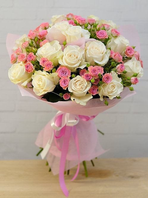 19 роз Венделла 15 кустовых роз