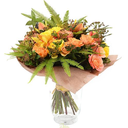 букет амбрэлла 4 гортензия 1 пионовидная роза Beatrice 5 роза Мисс Пигги 14