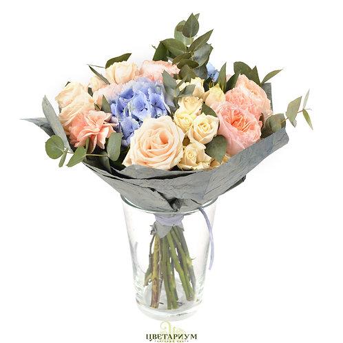 букет Пионовидная роза Juliette 3 гортензия 2 роза Таллея 4 кустовая роза Super