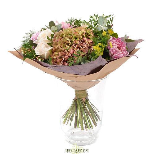 букет гортензия 1 Антуриум 1 хризантема 5 пионовидная роза White O`Hara 5 орхиде