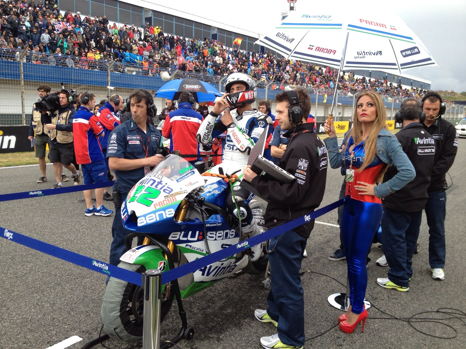 Ivan Silva on starting grid