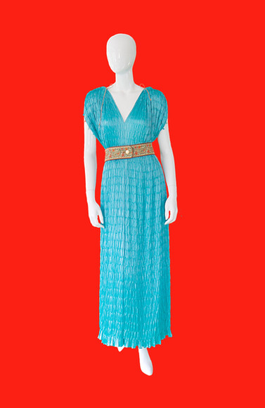 turquoisedress-red copy.jpg