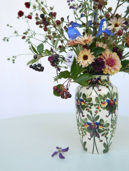 Dictatorship of the vase/matching flower