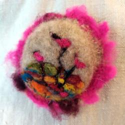 Broche laine feutrée