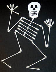 Drôle de squelette en coton tige