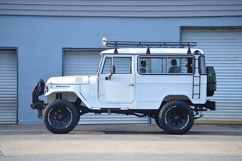 1981 Toyota Bandeirante - OJ50LV B