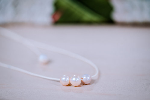 Hanaleia freshwater pearl necklace