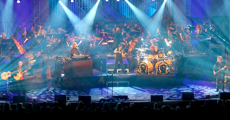 """Kansas - """"Dust in the Wind"""" - Live 2009 (with the Washburn University Symphony Orchestra)"""